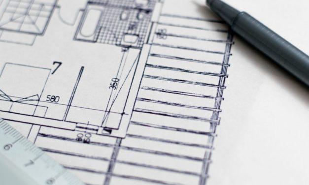 Building a Custom Home:  The 5 Pros You Need on Your Team